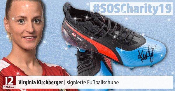06-Kirchberger-Virginia-Fussballschuhe-signiert-OEFB-Frauen-Nationalteam-SOSCharity2019.jpg